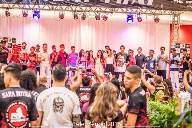 Lutadores marcam presença no lançamento do evento. Foto: Alex Zezon/Divulgação