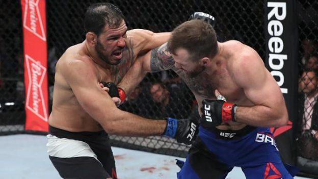 Bader mostrou superioridade na luta em pé e de solo. Foto: UFC/Divulgação
