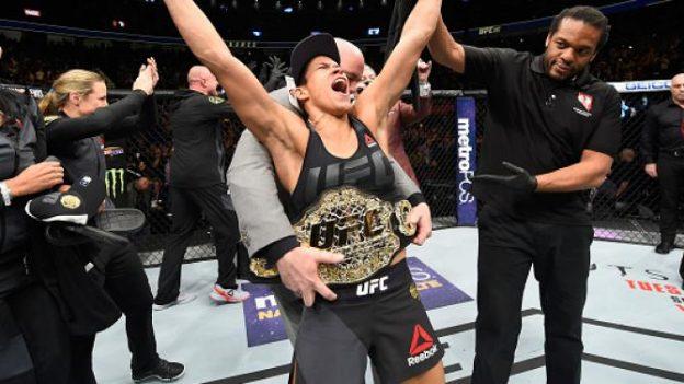 Amanda saboreando a vitória. Foto: UFC/Divulgação