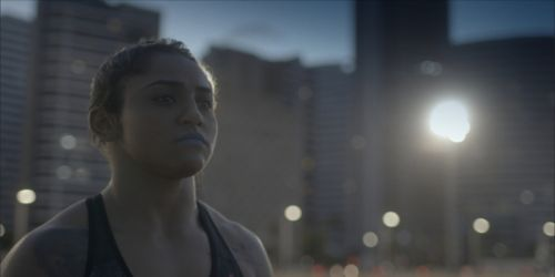 CEARENSE Viviane Sucuri é tema do episódio Dama de Ferro Divulgação