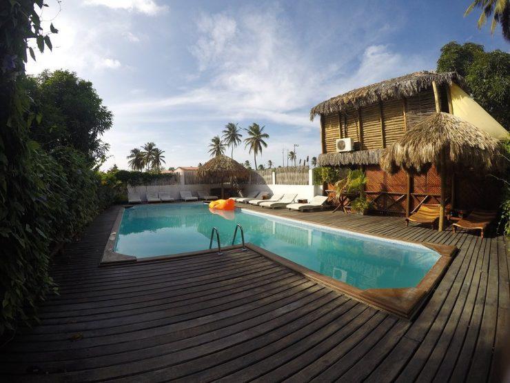 Quartos e piscinas