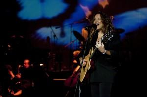 Ana Carolina, cantora durante show Divulgação