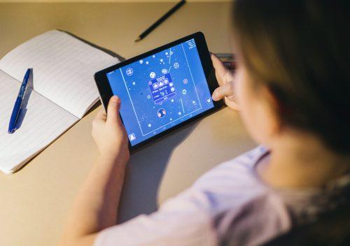 Estudante com tablet