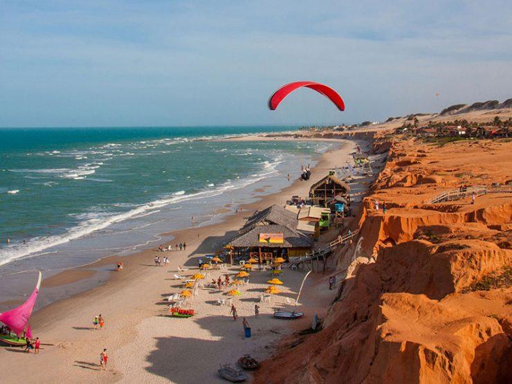 """Localizada a 163km de Fortaleza, capital do Ceará, """"Canoa"""", para os  íntimos, é um bairro de Aracati e abriga uma das orlas mais bonitas ... f3fd430238"""