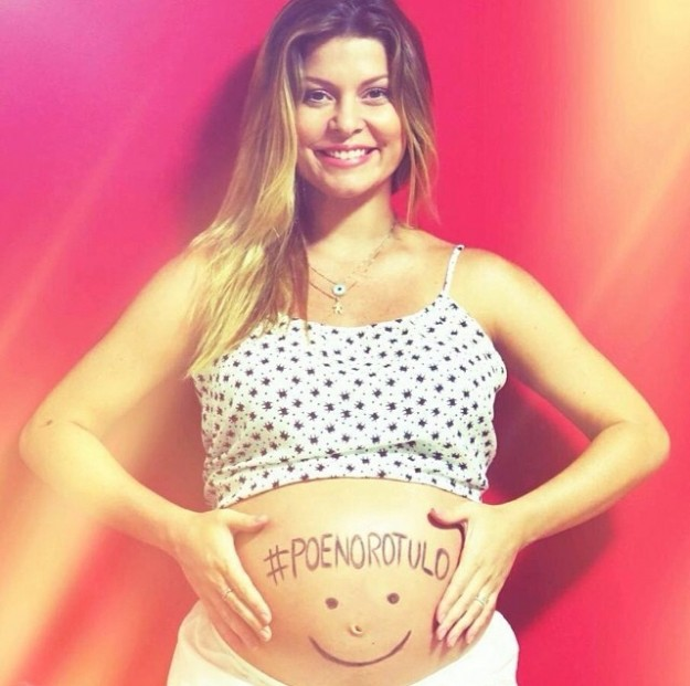Barbara Borges grávida aderindo à campanha.