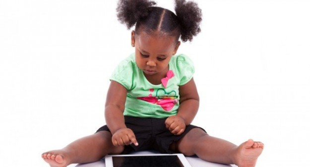 crianca-tecnologia-tablet
