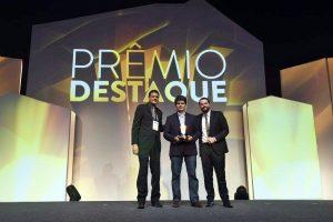 Os prêmios do Iguatemi Fortaleza foram recebidos pelo superintendente do Shopping, Wellington Oliveira, e pelo presidente da Jereissati Centros Comerciais (JCC), Fabricio Cavalcante