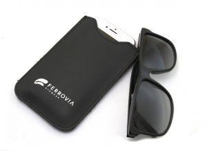 e8c5247973082 A Ferrovia Eyewear preparou um presente para quem comprar óculos da grife  neste mês de agosto. Quem adquirir qualquer peça