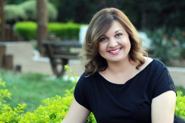 Carina Rissi, autora da série Perdida