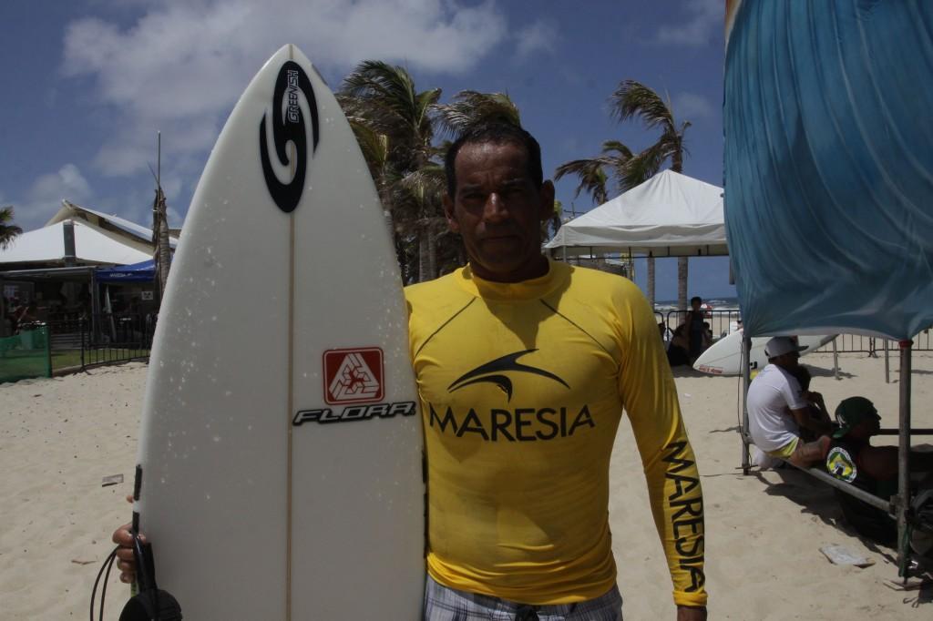 Surfista cearense Fabio Silva. (Foto: Mauri Melo / O POVO)