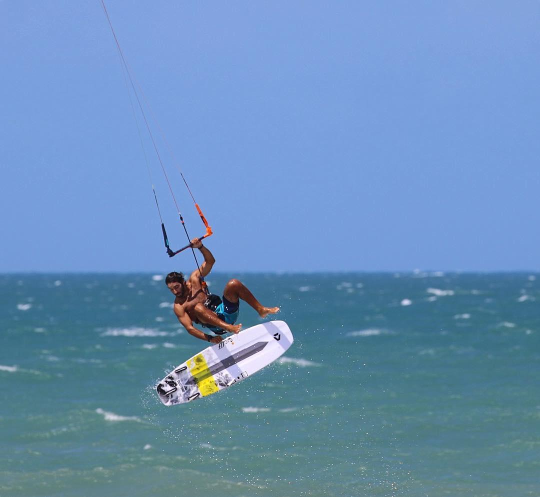 O brasileiro Sebastian Ribeiro é um dos destaques da competição.(Foto:Reprodução instagram @sebastianribeiroo))
