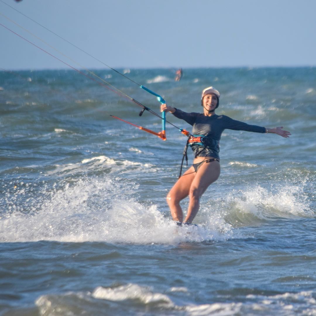 Olga Eveline velejando no downwind Ocean Flowers