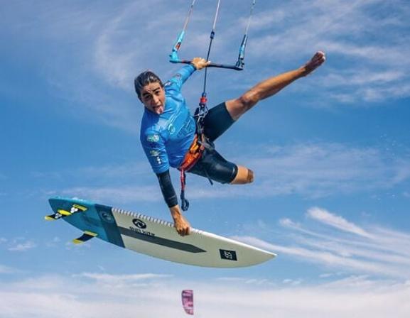 Pedro Matos vai participar do GKA Kite-Surf World Tour 2018. O brasileiro vai competir na turnê mundial entre grandes nomes do esporte radical, que vai nomear o campeão (Foto: Ydwer)