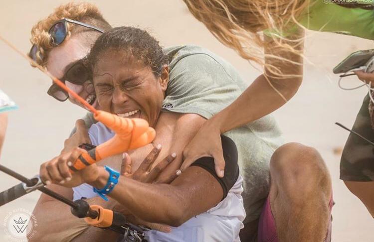 Superkite Ceará 2018 :Stefania Rosa recebendo carinho e apoio dos amigos.