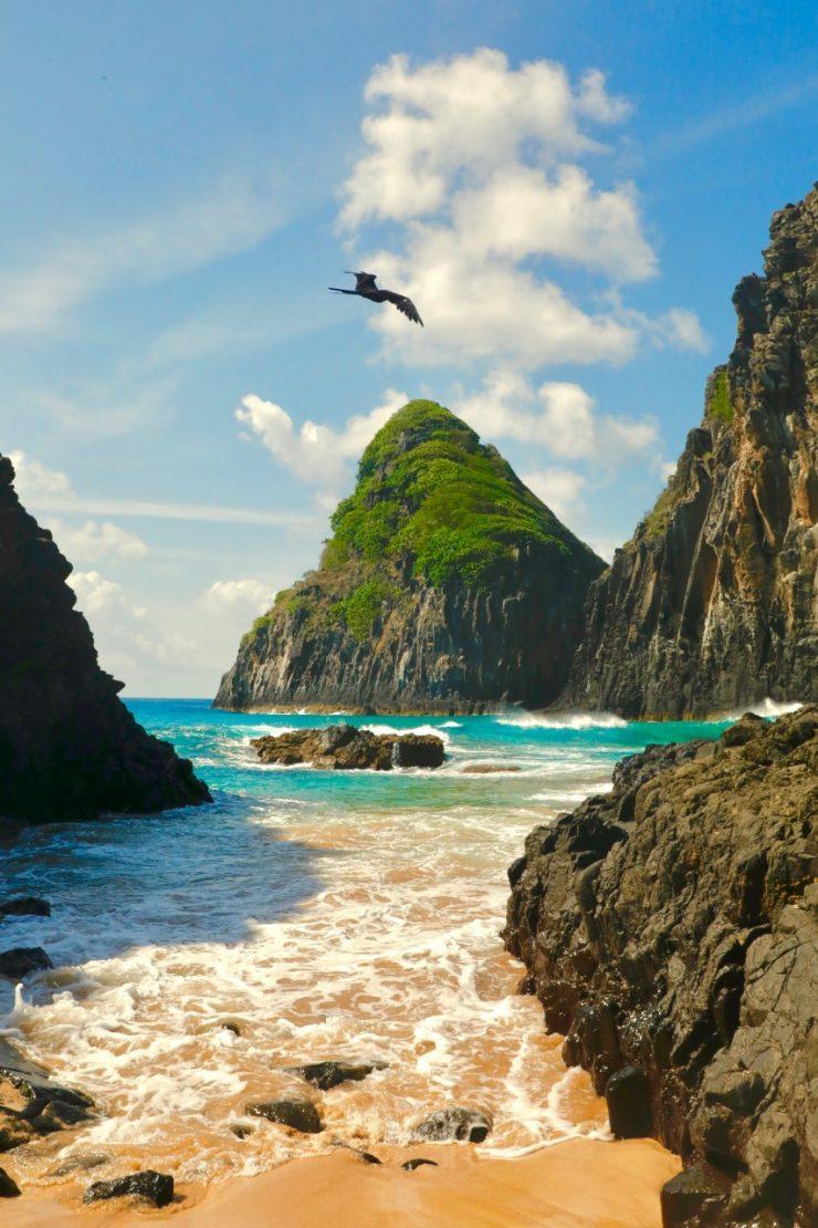 Fernando de Noronha, um dos destinos mais procurados do Brasil, é considerada a esmeralda do atlântico. (Foto: divulgação)
