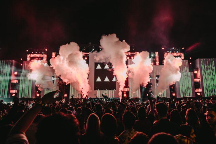Noronha Weekend: além da exuberância da ilha, a programação noturna terá baladas eletrônicas. (Foto: divulgação)