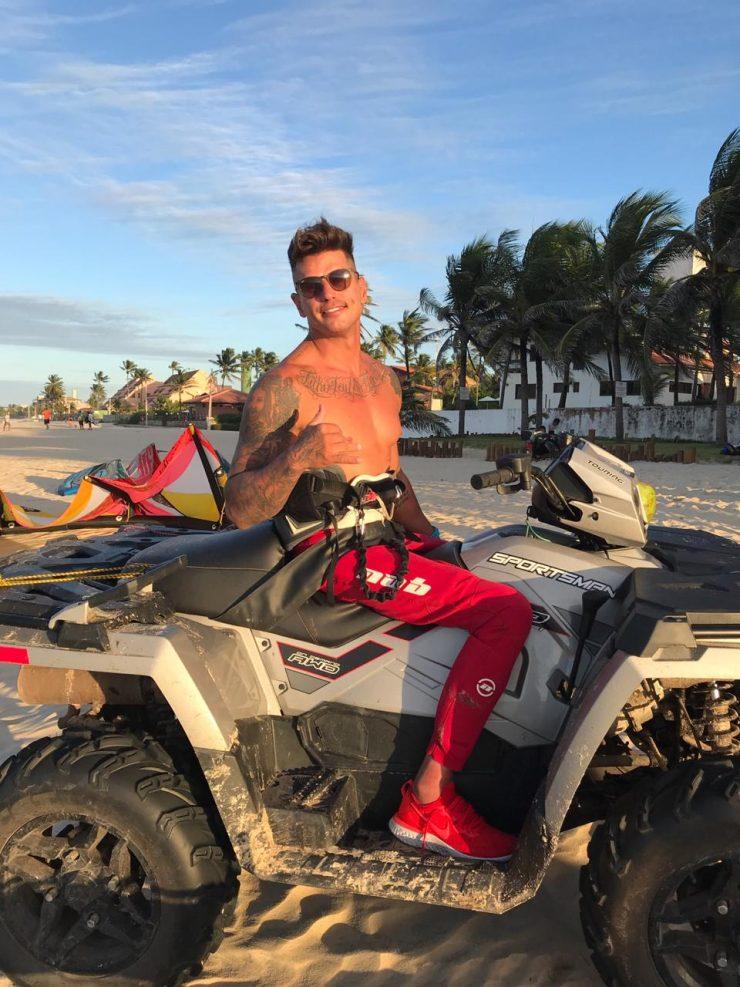 O atleta e apresentador Fernando Fernandes é presença confirmada no aniversário do Kitecabana, no Cumbuco. (Foto: Natália Fonteles)