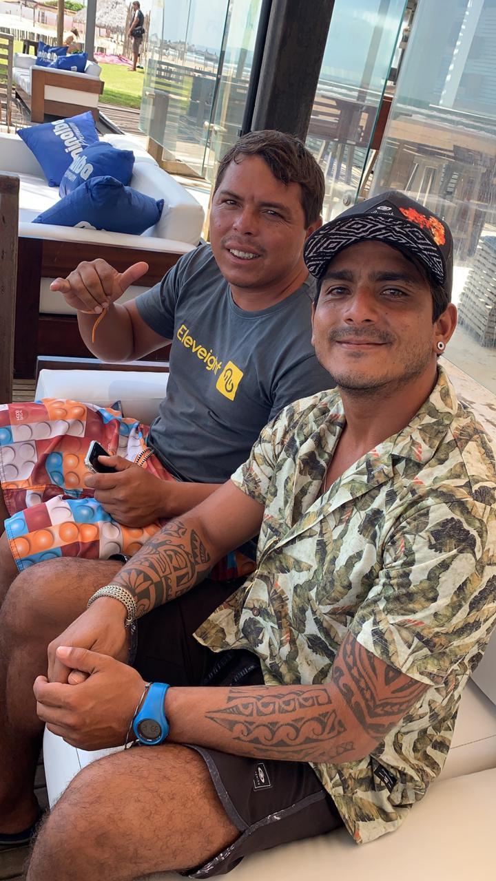 Os cearenses Luiz Emmanuel Sousa Nascimento eRafael da Costa Souza são os novos atletas patrocinados pela Surf Sem fim.