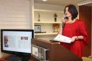 A jornalista Luciana Dummar, presidente do Grupo de Comunicação O POVO, fala no lançamento do Guia de Investimentos. Foto de Talita Rocha