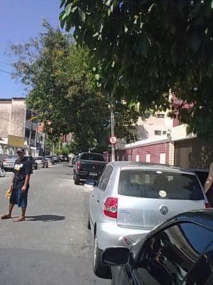 ... e também na rua que a cruza, a Frederico Borges...