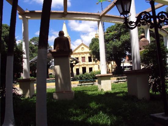 Praça da Matriz de Crato, onde, em 1817, José Martiniano, filho de Bárbara de Alencar, proclama a independência do Brasil