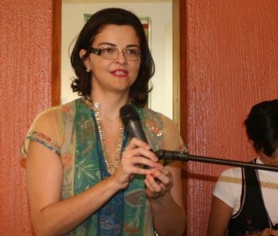 Jornalista Luciana Dummar, presidente do Grupo de Comunicação O POVO fala aos presentes