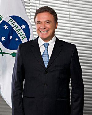O senador propõem a redução do número de deputados federais para 405 (Foto: Divulgação/Senado)