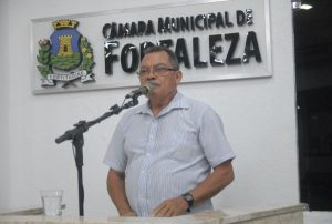 Gonzaga foi o 1º a apresentar seu plano de governo na Câmara (Foto: Genilson de Lima/CMFor)