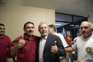 O ex-presidente fez fotos para a campanha municipal. Foto: Tatiana Fortes/O POVO