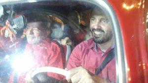 Elmano, Lula, Rui Falcão e Luizianne no Fusca vermelho (Foto: Isabel Filgueiras)