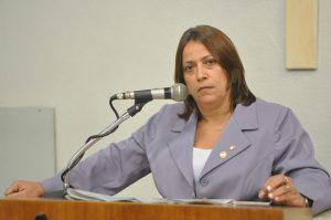 Ex-opositora do prefeito na Câmara, Toinha agora apoia reeleição de RC (Foto: Genilson de Lima/CMFor)