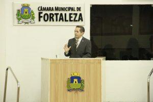 Heitor Férrer participa de sabatina na Câmara Municipal (Foto: Divulgação)