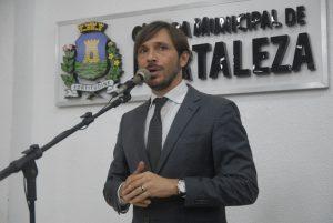Guilherme Sampaio questiona criação de cargos (Foto: Genilson de Lima/CMFor)