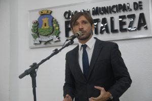Guilherme Sampaio diz que nenhum dos candidatos representam PT (Foto: Divulgação / CMFOR)