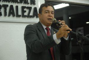 Ronivaldo criticou Capitão Wagner (Foto: Divulgação / CMFOR