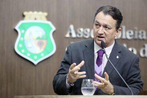 O deputado estadual disse que não só brasileiros votam mal (FOTO: Divulgação/AL)