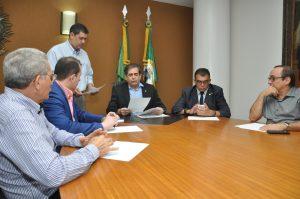 Mesa Diretora da AL-CE assina renúncia de deputados (Mariana Parente/ Especial para O POVO)