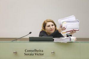 Soraia Victor deferiu liminar pedindo anulação das terceirizações na saúde (Foto: Fábio Lima/O POVO)