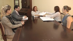 MPCE recebe relatórios de fiscalização do TCM (Foto: Divulgação / MPCE)