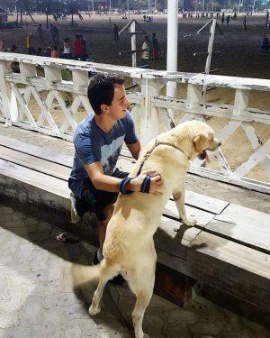 Célio Studart costuma compartilhar, nas suas redes sociais, muitas fotos com o seu cachorro, chamado Tancedo (Foto: Reprodução / Facebook)