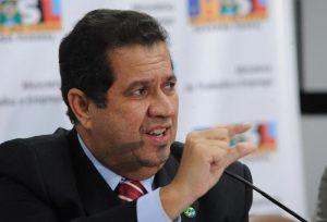 Lupi garante André na disputa mesmo com perspectiva de poucos votos (Foto: Elza Fiúza/Abr)