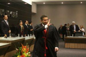 Domingos Filho encontra-se com Celso de Melo para discutir constitucionalidade da extinção do TCM (Foto: Mauri Melo/O POVO)