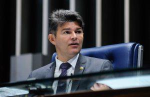José Medeiros disputa a presidência com Eunício (Foto: reprodução / Facebook)