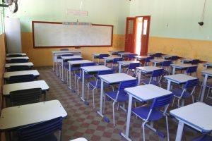 Os alunos estão sem aula por falta de merenda e transporte. (Foto: Evilázio Bezerra/O POVO)