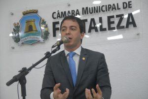 """Proposta de Célio Studart prevê instalação de """"botão de pânico"""" para combater assaltos (Foto: Divulgação/CMFor)"""
