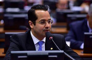 """Vitor Valim prometeu pronunciamento """"dedicado"""" a Jucá na Câmara (Foto: Câmara dos Deputados)"""