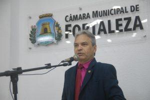 Segundo Eron Moreira, o brega merece tratamento de gêneros como samba e forró (Foto: Divulgação/CMFor)