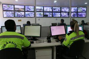Fiscalização por videomonitoramento começou em março e já acompanha mais de 20 cruzamentos (Foto: Divulgação)
