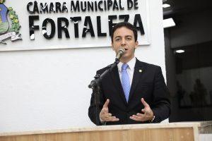 Célio Studart promete doar parte do salário para causas animais (Foto: Divulgação)