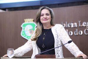 Projeto de Augusta Brito prevê reserva de vagas para vítimas de violência doméstica (Foto: Divulgação)